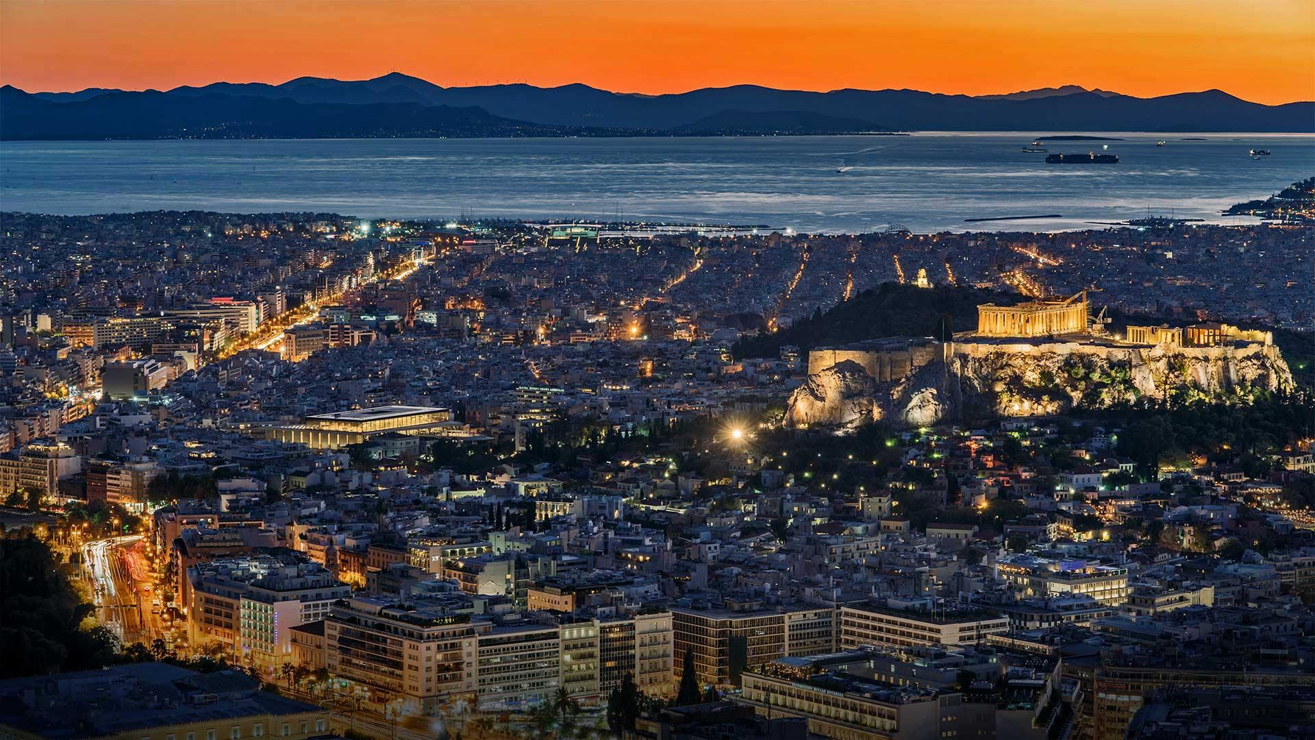 「アテネ市街」ギリシャ (© junnyphoto/Getty Images)