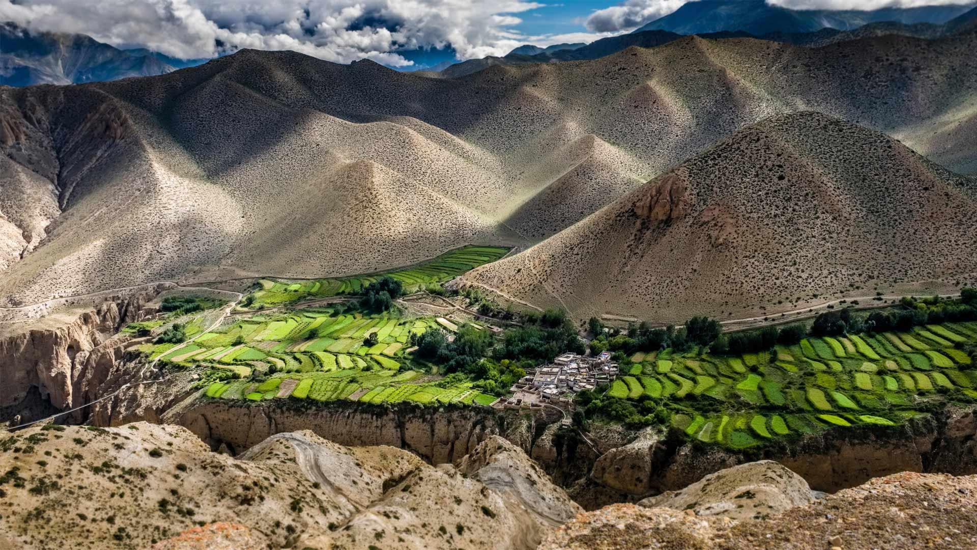 「ジャカール村」ネパール, ムスタン (© Frank Bienewald/Alamy)