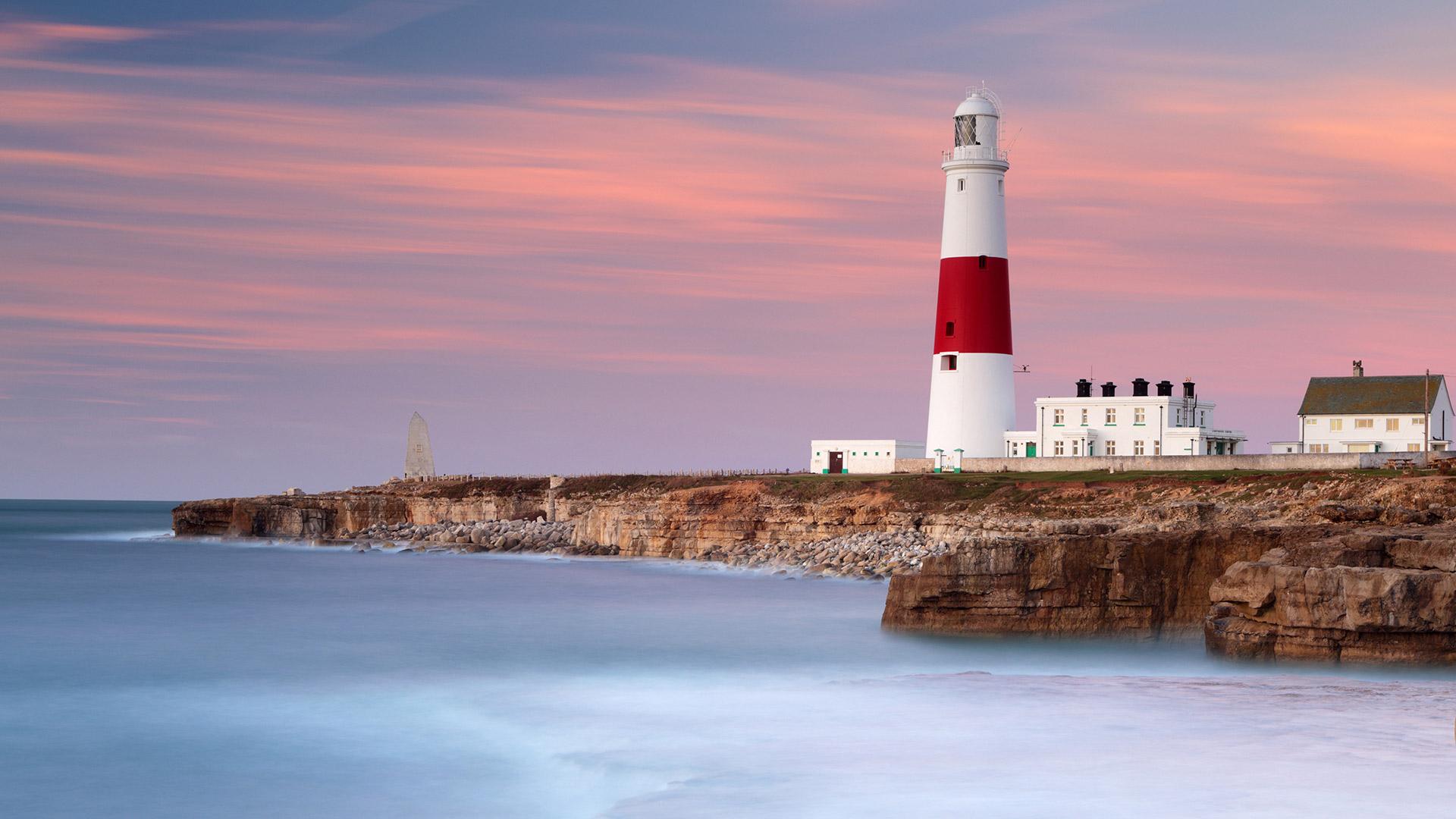 「ポートランドビル灯台」イギリス, ドーセット (© Lee Pengelly/Getty Images Plus)
