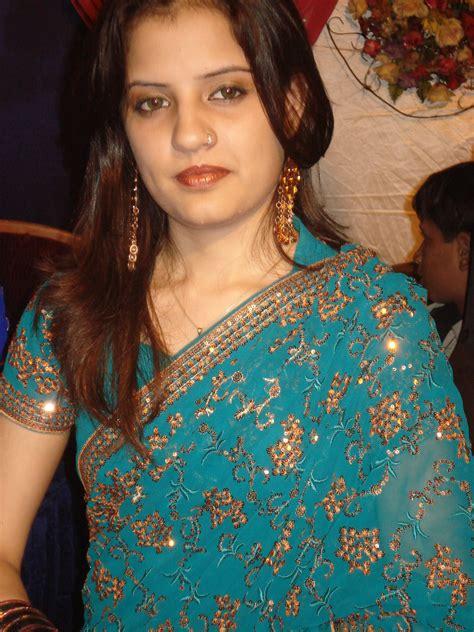 masala big aunti picture 14