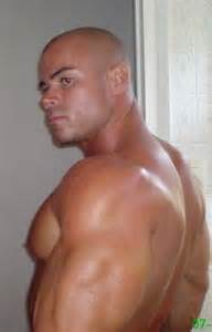 female bodybuilder with shaved head picture 7