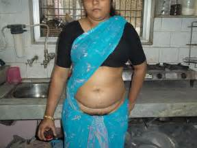 saree lifting showing hair in exibii picture 2