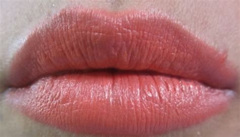 wet large lips picture 6