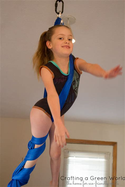 women leg wrestling picture 9