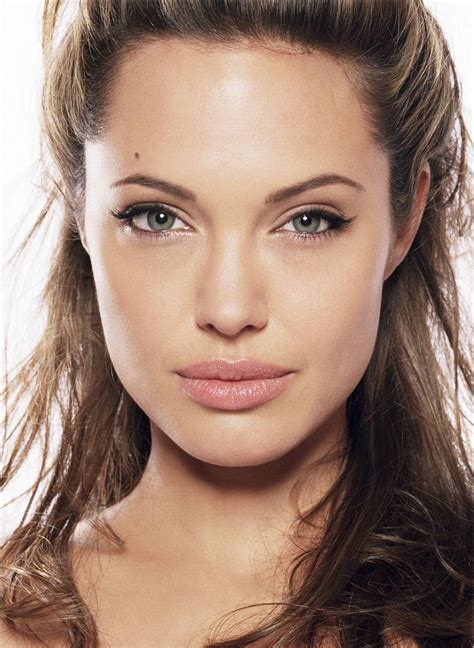 angelina joli lips are they real picture 4