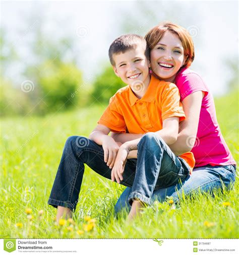 free mom son depth picture 2