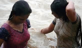 ganga snan women 2013 picture 1