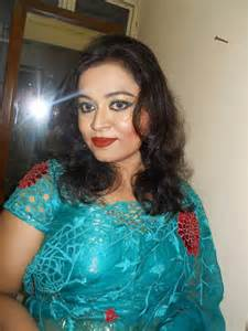 detail unsatisfied aunty housewife in kolkata picture 18