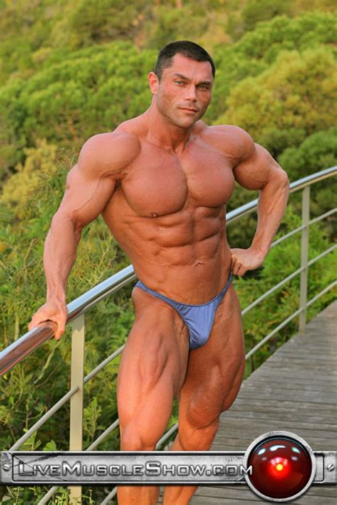 uberto ugo and muscle men vedio 2014 picture 2