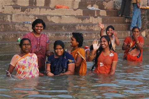 women of indian taking gang bath picture 11