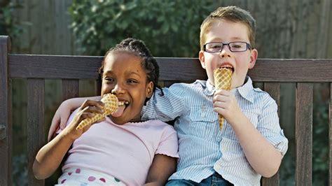 children & kids with bladder control problems picture 14