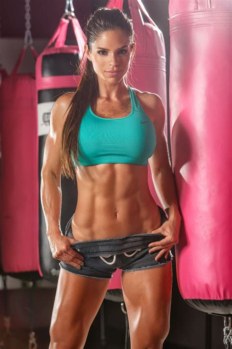 models with muscle picture 2