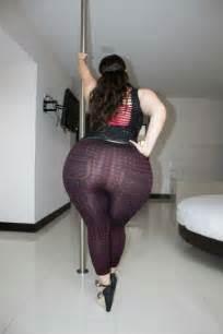 bbw super mega booty picture 3