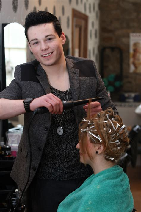 celebrity hair stylist picture 5
