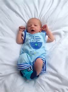 3 weeks old baby sleep all day picture 5