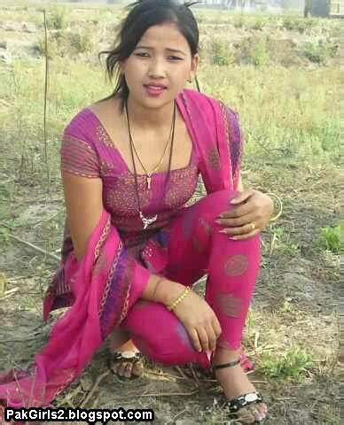 indian women outdoor scandal picture 17