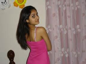 south indian sexy housewife hot back sid view picture 1