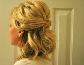 half u half down hair styule picture 5