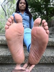 2 woman big soles comparison picture 5