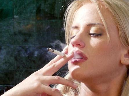 women that smoke methel cigarettes picture 4