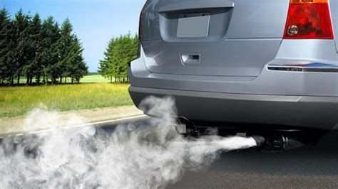 car exhaust smoke picture 15