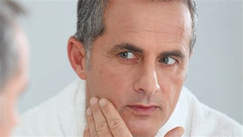 anti aging haircuts for men picture 13