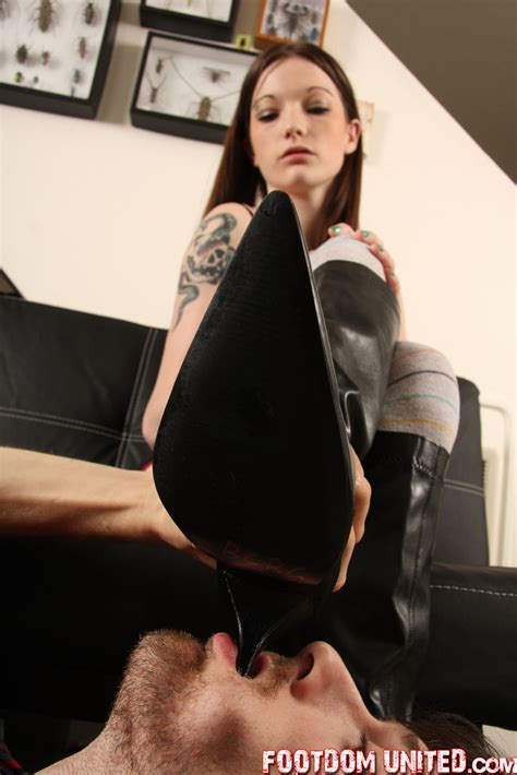 female muscle feet domination picture 6