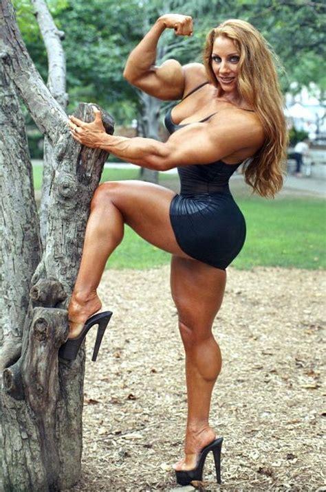 giant women lift fantasy picture 9