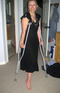 women crutching picture 11