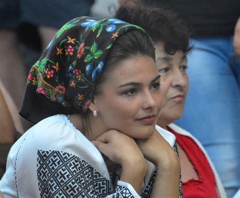 femei goale din romania picture 7