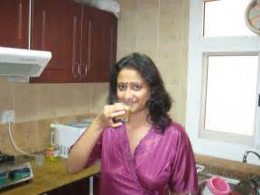 aunty,women, female and bhabhi salwar hot pose pic. picture 18