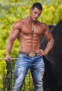 italian muscle men picture 1