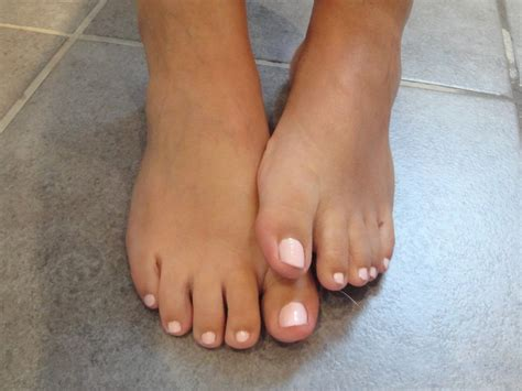 clear feet nails picture 6