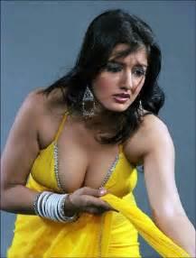 world full sexy milky breast doodh pilane wali picture 15