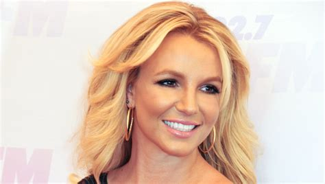 celebrity white teeth picture 7