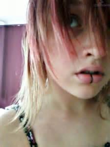 girls lip piercings picture 18