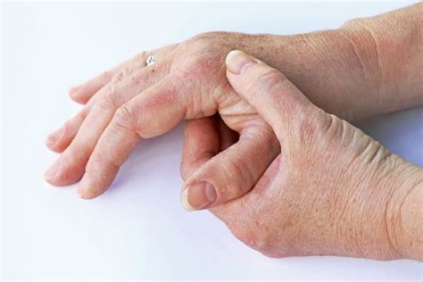 causes for muscle cramps in hands picture 2
