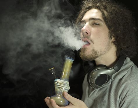 ways to stop smoking recreational drugs and cigarettes picture 1