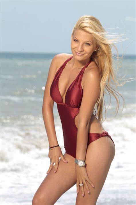 femei blonde care se fute bine picture 8