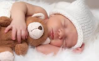 newborn sleeping picture 5