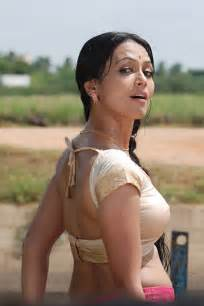 tamil women sex pictures in blouse and saree picture 13