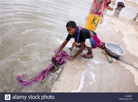 indian women washing cloth picture 14