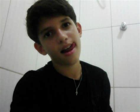 boy bibcam picture 9