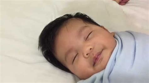 how to out newborn to sleep picture 3