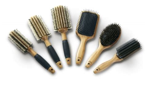 cleaning of hair brushes picture 17