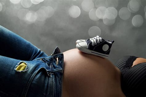 femei gravide care nasc picture 3