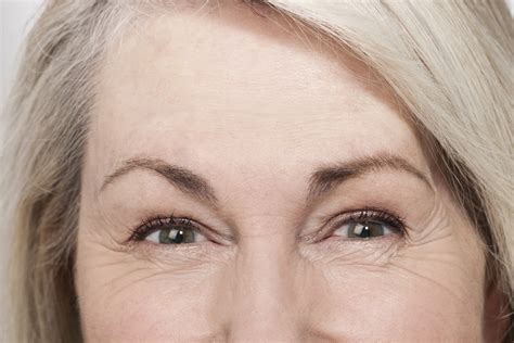 makeup tips for tired aging eyes picture 3