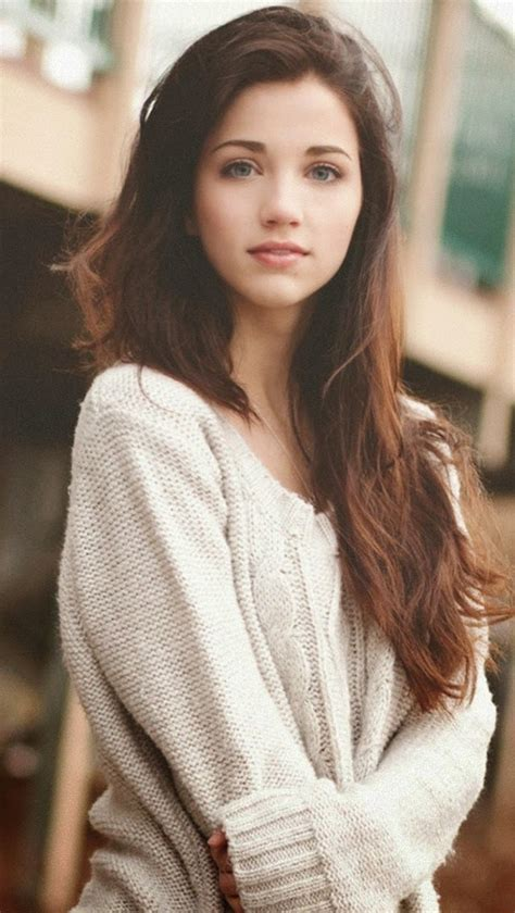brown hair green eyes girl picture 15