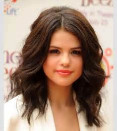 Brown shoulder length layerd hair picture 5