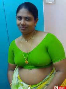 aunty open hot spot picture 3